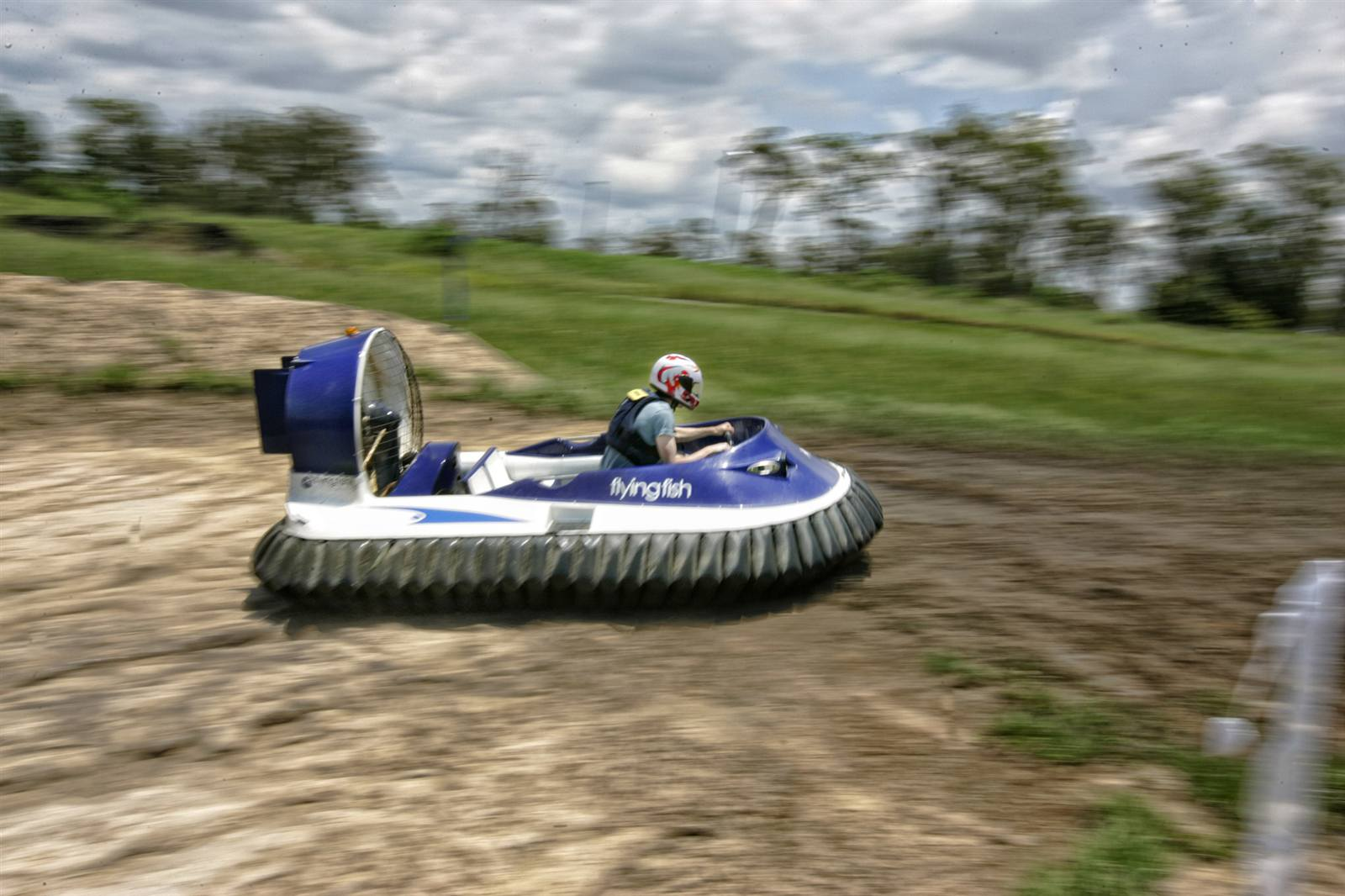 Racing Hovercraft Flying Fish